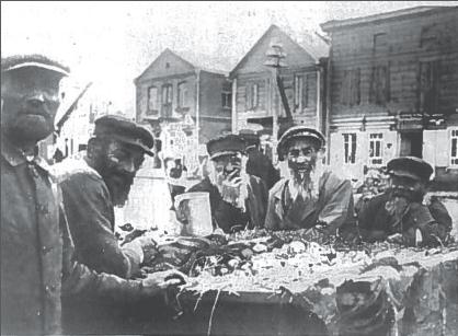 Žydai, obuolių pardavėjai, Vabalninko turguje