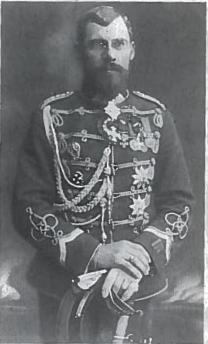 Vyriausiasis perversmo vadas, majoras (vėliau generolas) Povilas Plechavičius