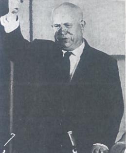 Nikita Chruščiovas (1894-1971). Ukrainos šachtininko sūnus. Įgijo šaltkalvio specialybę. 1918 m. tapo bolševiku, kariavo pilietiniame kare su baltaisiais. Jo pirmoji žmona mirė per badą 1921 m. 4-ąjį dešimtmetį jis rėmė Staliną. Dalyvavo nukrypusių nuo komunistų partijos linijos asmenų persekiojimuose. Antrojo pasaulinio karo metais tarnavo politiniu komisaru įvairiuose frontuose. Po karo tapo Ukrainos komunistų partijos pirmuoju sekretoriumi, o 1949 m .SSKP sekretoriumi ir Maskvos partijos komiteto pirmuoju sekretoriumi. 1953 m. tapo SSKP CK I sekretoriumi, 1958- 1964 m. dar ir SSRS vyriausybės vadovu. 1964 m. Chruščiovas buvo atleistas iš pareigų. Jis padiktavo atsiminimus, kurie, vėliau išgabenti į Vakarus, tapo svarbiu Sovietų Sąjungos politinės istorijos šaltiniu