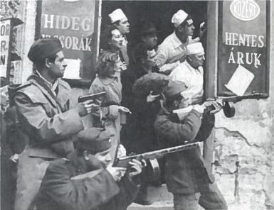 Vengrų sukilimo akimirka. 1956 m.