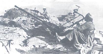 Afganų partizanai, vienų vadinti dušmanais, kitų - modžahedais, kovos pozicijose