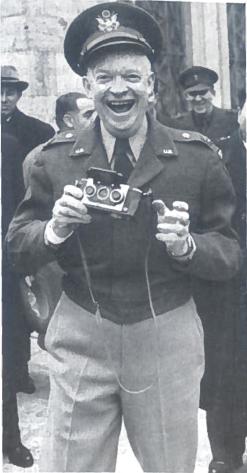 D. Einzenhaueris (1890-1969). Antrojo pasaulinio karo metais vyriausiasis JAV kariuomenės Europoje vadas. 1953-1961 m. JAV prezidentas (respublikonas)