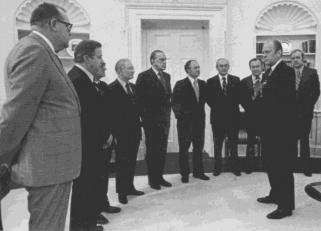 Išeivijos delegacija pas JAV prezidentą Džeraldą Rudolfą Fordą 1975 m. tariasi Baltijos šalių išlaisvinimo reikalais