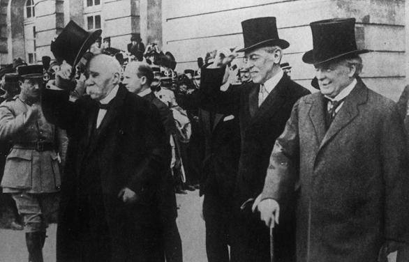 Didžioji trijulė, iš kairės: Žoržas Klemanso, Vudras Vilsonas, Deividas Loidas Džordžas, 1919 m.