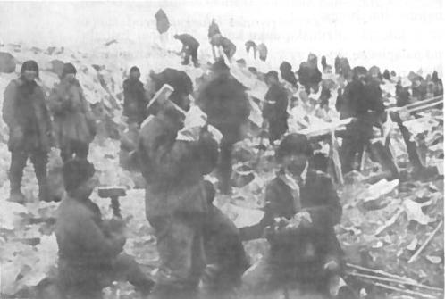 GULAG'o kaliniai Baltijos ir Baltosios jūrų kanalo statybose. 1934 m.