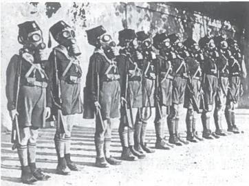 Italų vaikai ruošiami karui