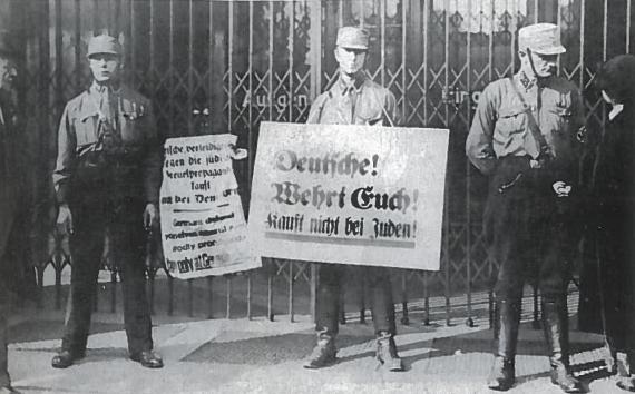 Antisemitizmas - Hitlerio pažiūrų ir VNSPD ideologijos šerdis