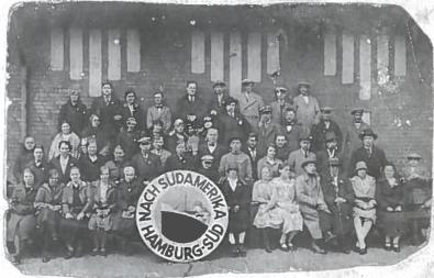 Iš Lietuvos į Pietų Ameriką keliaujantys emigrantai Hamburgo uoste