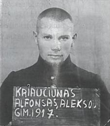 Sovietų okupantai pareikalavo, kad Lietuvos kariai jiems prisiektų. Visi atsisakiusieji buvo suimti, nuteisti ir išsiųsti į Rusijos lagerius. Nuotraukoje — vienas iš atsisakiusių paklusti okupantams