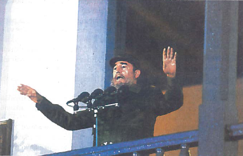 """Fidelis Kastras (g. 1926 m.) imigranto iš Ispanijos, cukrašvendrių plantacijos savininko sūnus. Mokėsi Havanos universiteto Teisės fakultete. Įsitraukė į revoliucinį judėjimą. 1947 m. dalyvavo nesėkmingame bandyme nuversti Dominikos diktatorių Truchiliją. 1951 m. baigė Havanos universitetą, gavo teisės daktaro laipsnį, tapo advokatu. 1952 m. generolui F. Batistai įvykdžius perversmą, F. Kastras organizavo kovą prieš diktatorių. 1953 m. liepos 26 d. jis vadovavo sukilimui Santjago de Kuba mieste. 29 gyvi likę sukilėliai, tarp jų Kastras ir jo brolis Raulis, buvo nuteisti 15 metų kalėti. Po kiek laiko Batistai amnestavus sukilėlius, F. Kastras išvyko į Meksiką, kur įkūrė """"Liepos 26-osios judėjimą"""". Jo tikslas - nuversti Kubos diktatūrą. 1956 m. gruodžio 2 d. F. Kastro vadovaujama 82 revoliucionierių grupė laivu ,,Granma"""" atplaukė į Kubos salą. Po pirmųjų susidūrimų su kariuomene liko tik 12 kovotojų, tarp jų broliai Kastrai, Ernestas Če Gevara. Vis dėlto šių vyrų pradėta kova baigėsi pergale. 1959 m. sausio 2 d. sukilėliai įžengė į Havaną."""