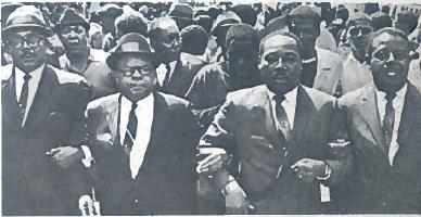 Martinas Liuteris Kingas (trečias iš kairės) ir jo bendražygiai