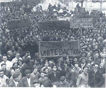 Pirmaisiaisi pokario metais Vakarų Europos šalyse buvo daug socialinių problemų. Nuotraukoje - darbininkų demonstracija Prancūzijoje 1947 m.